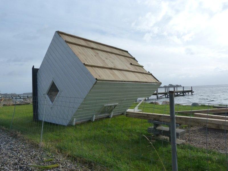 Mandagsstormen 4.11.2013 legede med legehus (Thurø)