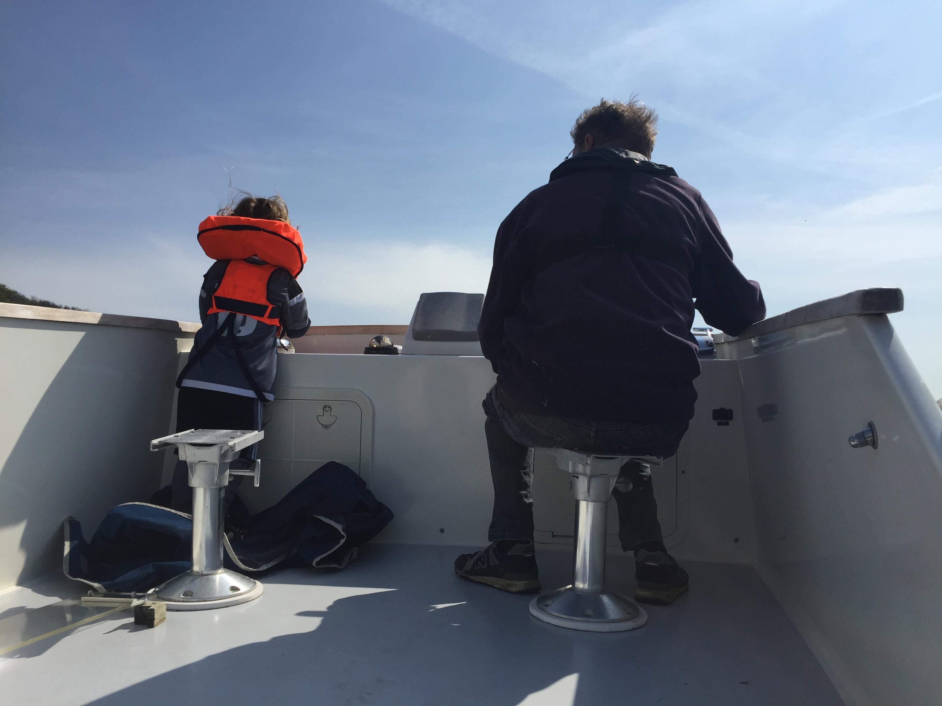 Skipper og lille-hjælper